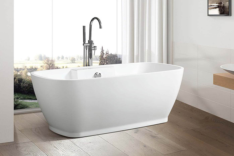"""Lila 67"""" x 31"""" Free Standing Soaker Tub Only"""