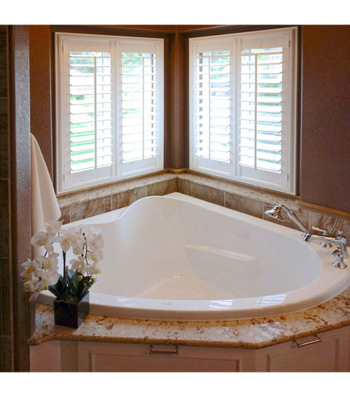 "Paradise 60"" x 60"" Heated Soaking Bath"