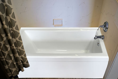 """Zen 66"""" x 32"""" Right Hand Soaker Tub Only"""